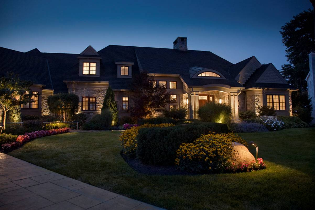 Landscaping Lighting Ideas Pictures : Exterior outdoor landscape lights total lawn care inc